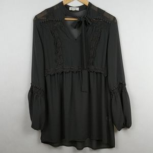 Taylor & Sage Lace Neck Tie Peasant Bell Sleeve S
